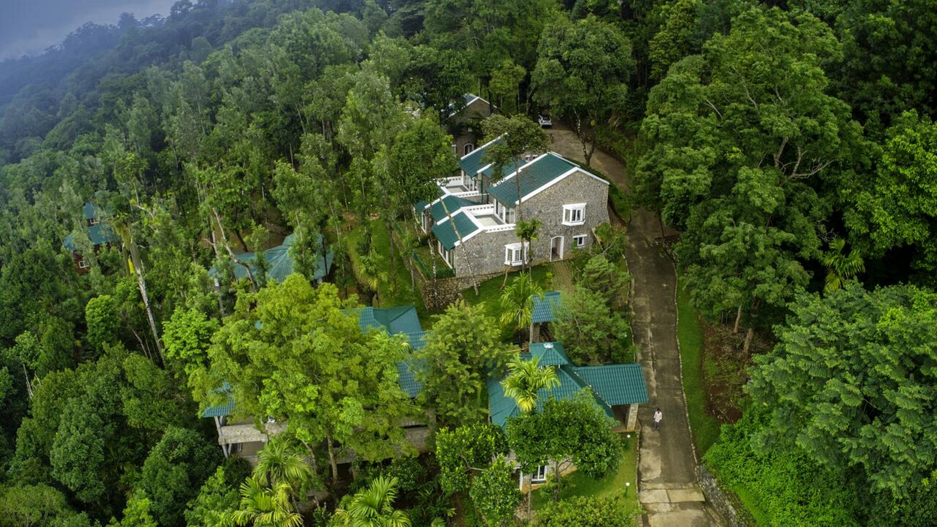 kaivalyam-retreat-tree-house-munnar