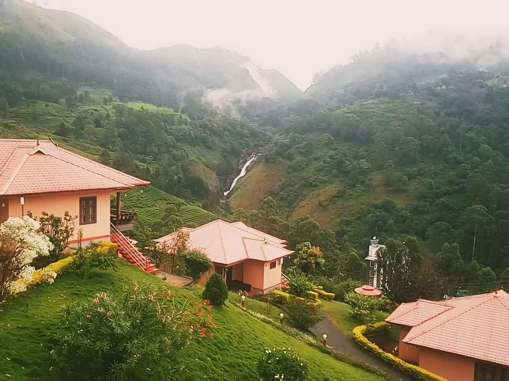 best resorts in munnar
